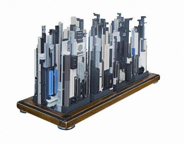 Rascacielos con basura electronica4