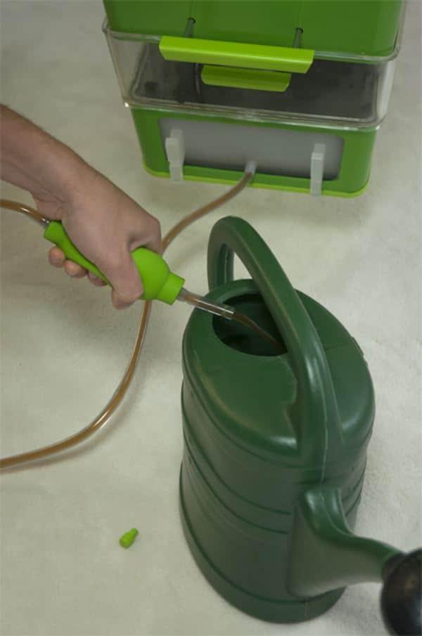 Parasite Farm-7-Fábrica-de-compost-2