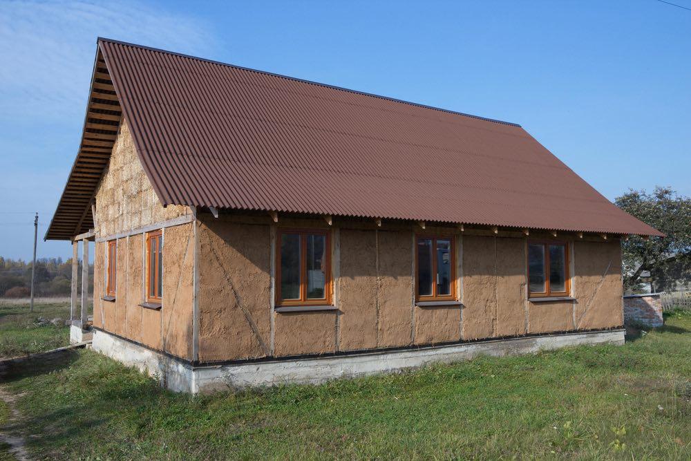 Beneficios de la construcción de casas con balas de paja