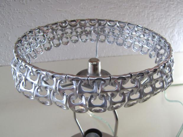 lámpara con anillas de latas 6