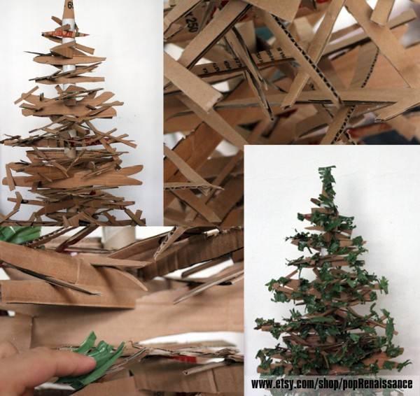 Árbol de navidad totalmente con material de desecho