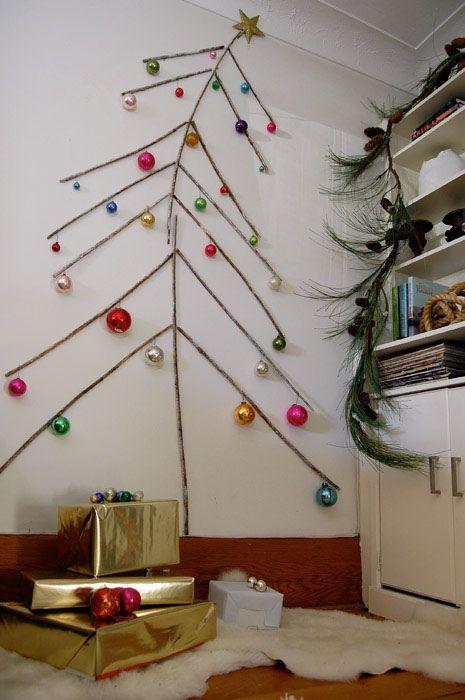 Árbol de navidad con ramas de madera