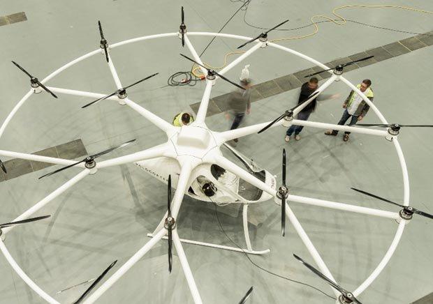 Helicóptero eléctrico biplaza