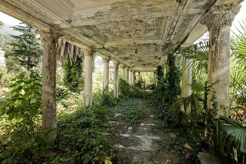 Estación de tren abandonada en Abkhazia