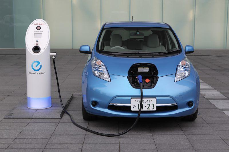 5 mentiras universales sobre los coches eléctricos