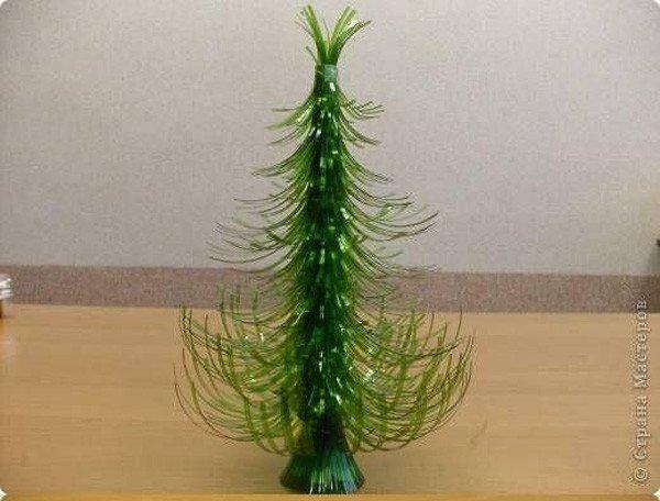 Como un hacer árbol de navidad con botellas PET
