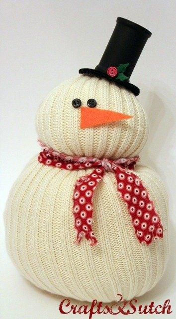 Muñecos de nieve con calcetines desparejados