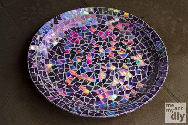Mosaico con CD en plato