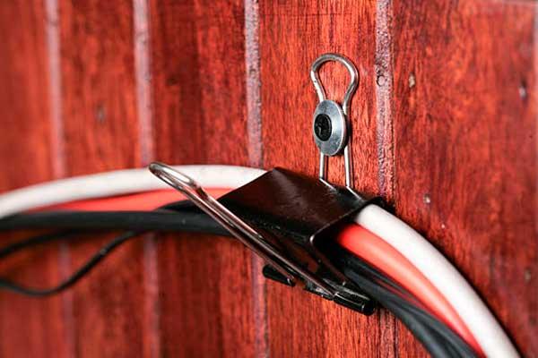 ordenar-cables-con-clips