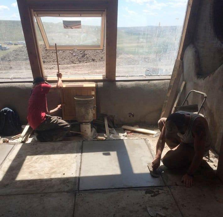 Razones para vivir en una Earthship construcción