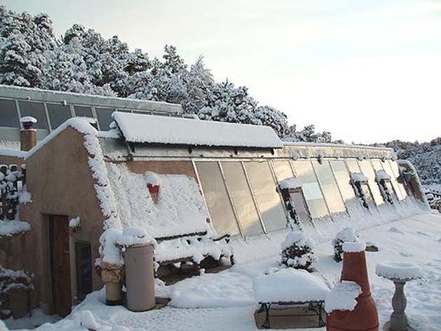 Razones para vivir en una Earthship invierno