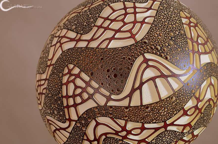Lámpara con calabaza africana tallada1