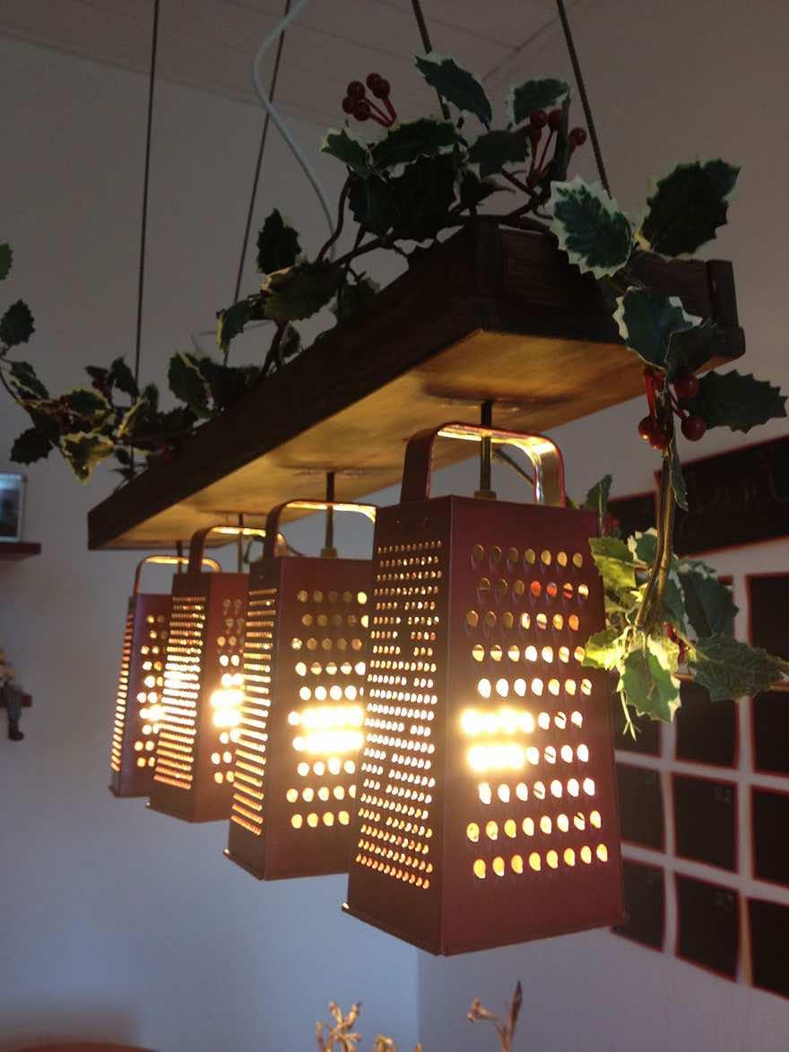 Lámpara con ralladores de cocina