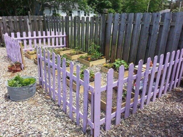Una valla con palet para un huerto