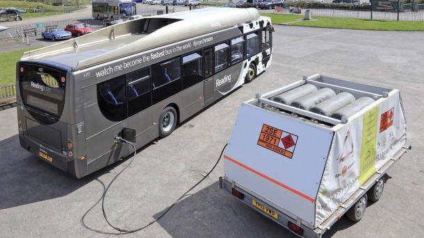 Autobus con heces de vaca