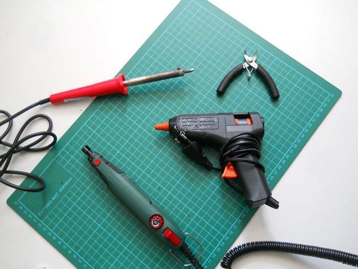 Como hacer un cargador eólico de smartphones para bicicletas herramientas