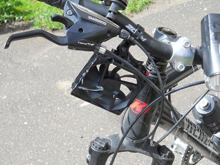 Como hacer un cargador eólico de smartphones para bicicletas4