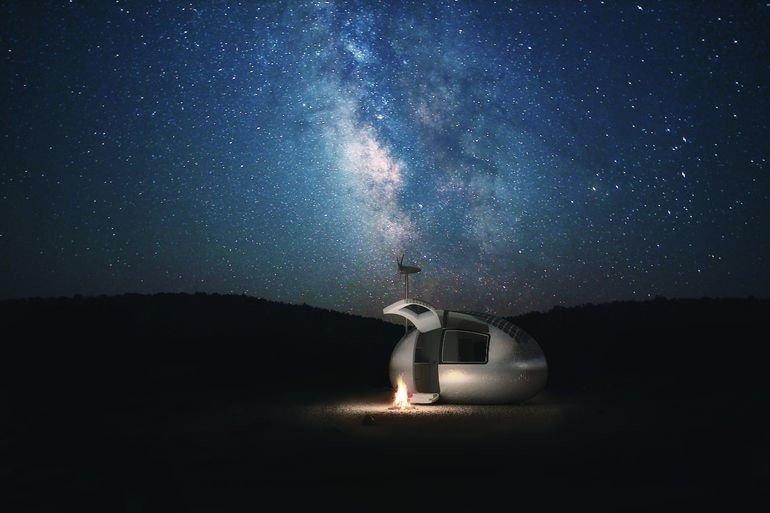 Ecocapsula-a-la-luz-de-las-estrellas