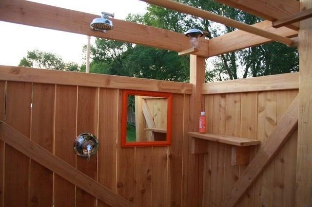 Como hacer una ducha solar al aire libre 7