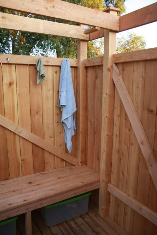 Como hacer una ducha solar al aire libre 8