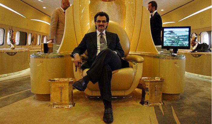 Al Walid bin Talal al Saud en su avion