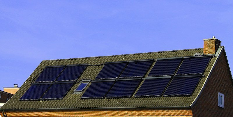 Ee uu prepara un plan para instalar paneles solares en - Casas de proteccion oficial ...