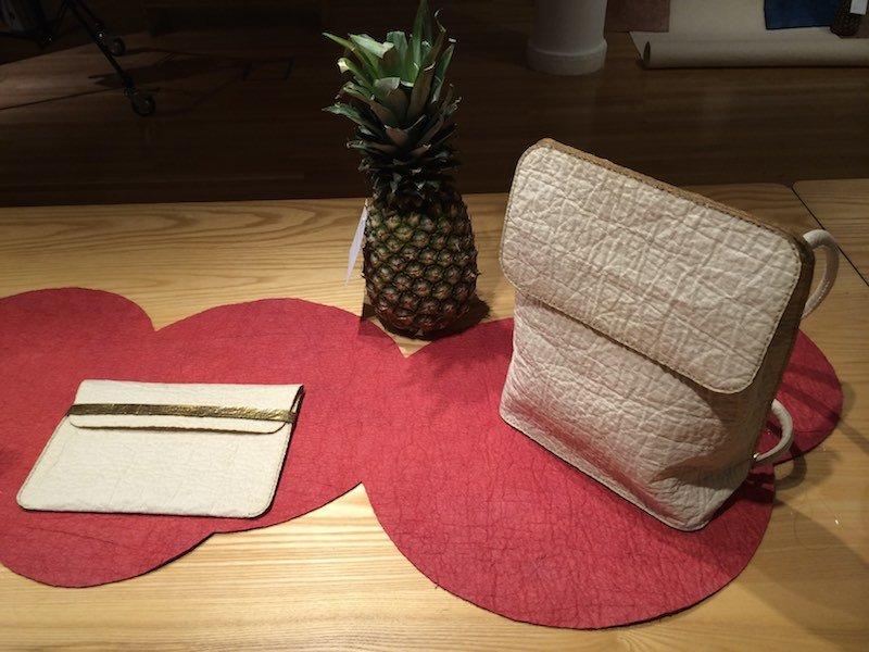 Bolso hecho con cuero vegetal Piñatex