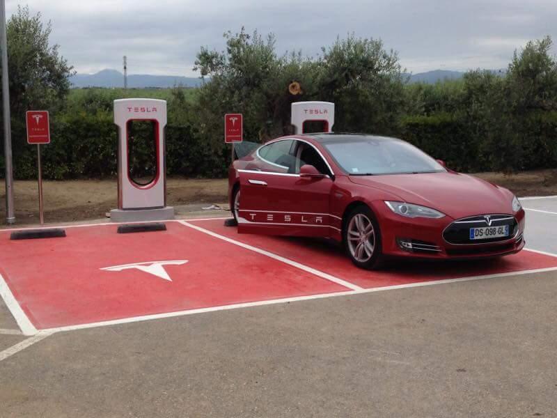El segundo Supercargador de Tesla en España ya está en funcionamiento