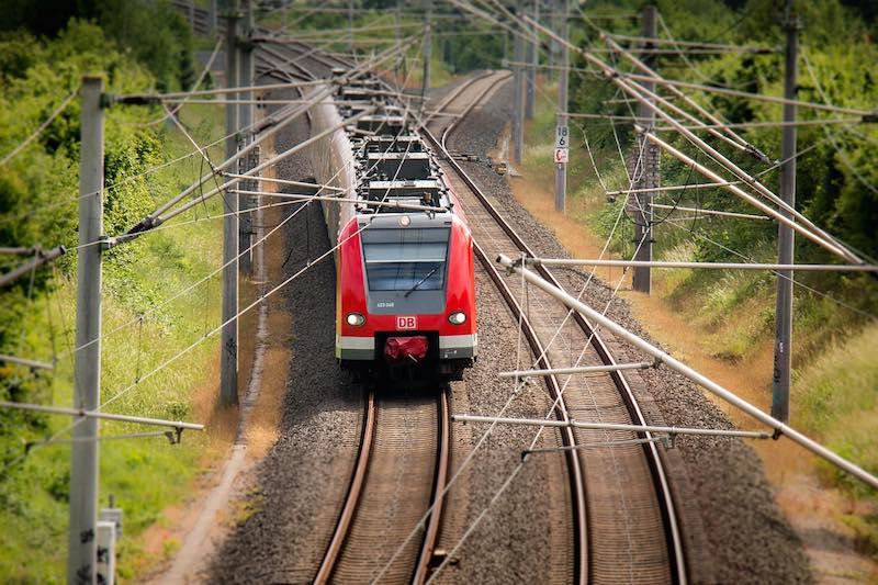Todos-los-trenes-holandeses-funcionaran-con-energ%c3%ada-e%c3%b3lica-a-partir-de-2018