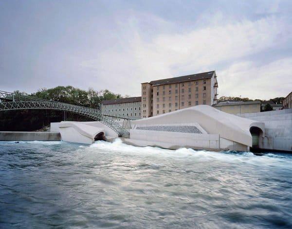Central hidroeléctrica perfectamente integrada en la ciudad1