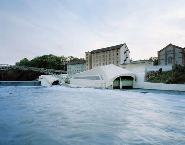 Central hidroeléctrica perfectamente integrada en la ciudad2