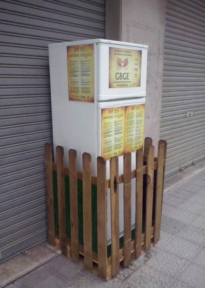 """El """"frigorífico solidario"""" que ha salvado de la basura cientos de kilos de alimentos"""