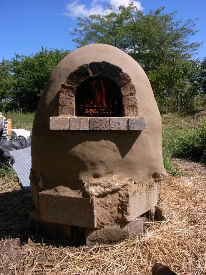 C mo hacer un horno casero al aire libre por 20 for Como construir un horno