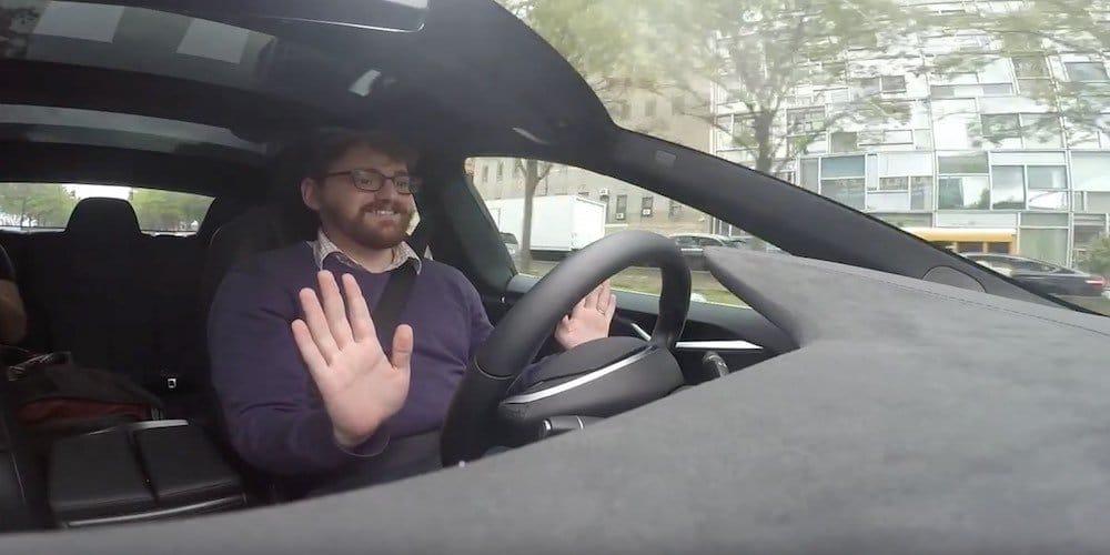 Prueba real de la conducción autónoma de Tesla