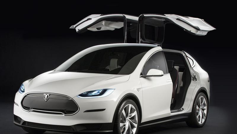 Tesla Model X puertas mariposa