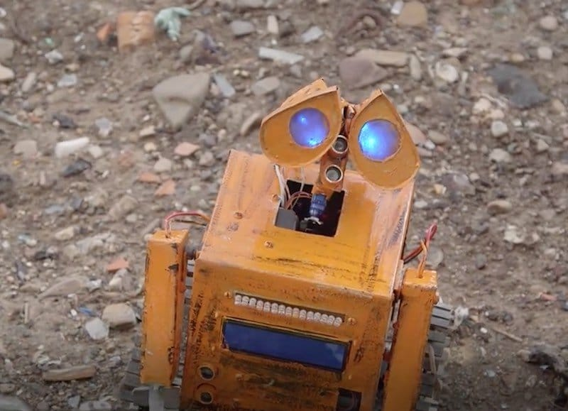 Robot Wall-E Boliviano