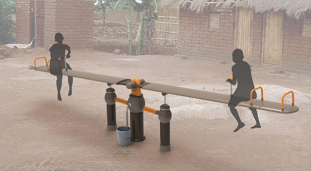 OasiSaw. Un columpio para sacar agua de un pozo sin electricidad