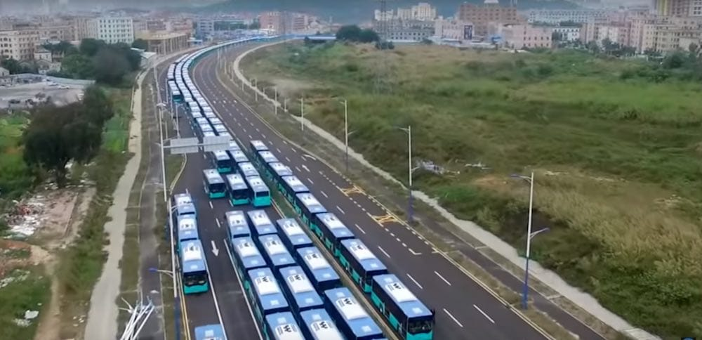 China estrena la mayor flota de autobuses eléctricos del mundo en China