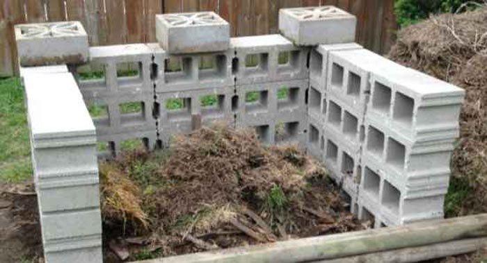 Compostador con bloques de hormigón
