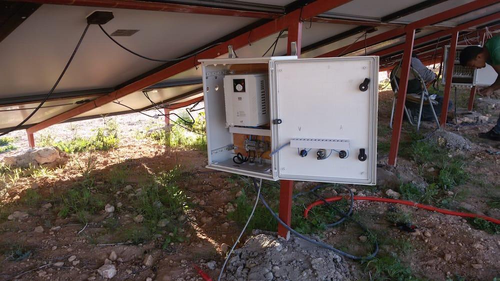 bomba de agua para pozo profundo con energía solar5