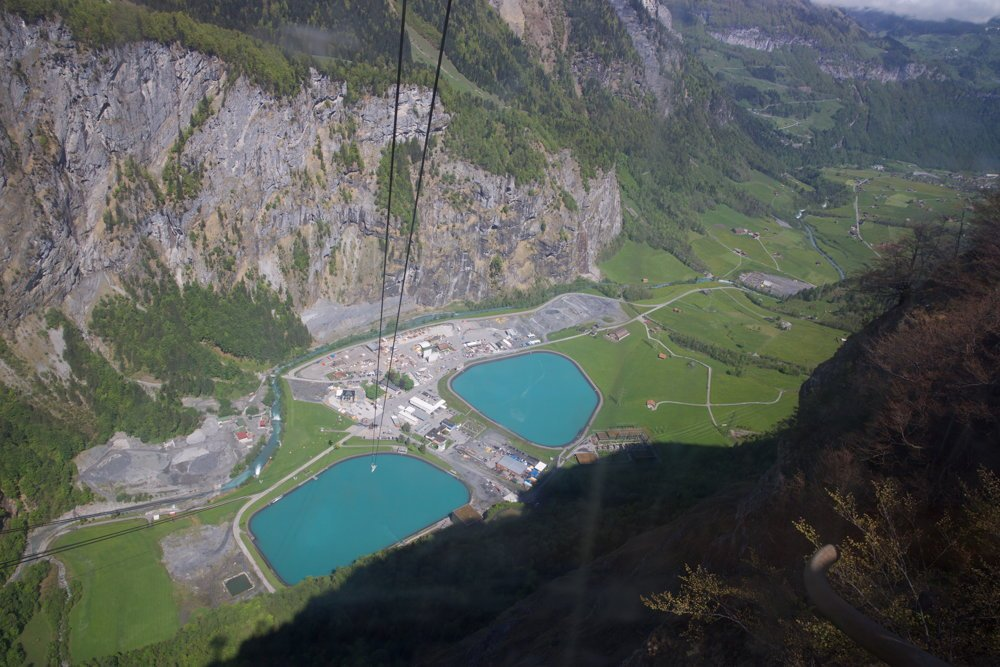 Hidroel%c3%a9ctrica-subterr%c3%a1nea-suiza