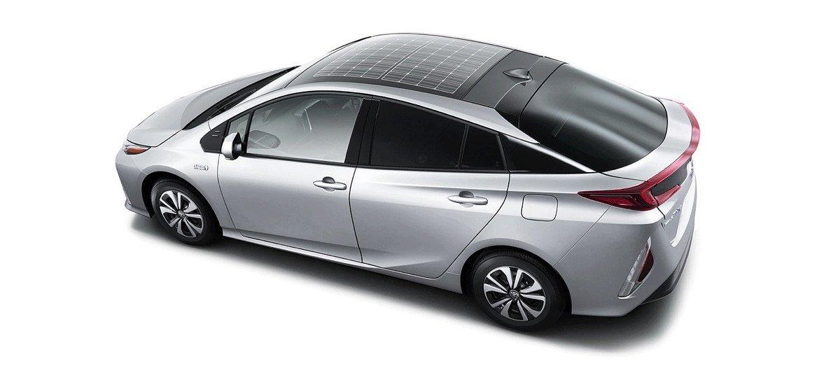 Panasonic presenta su nuevo techo solar de 180 W para coches
