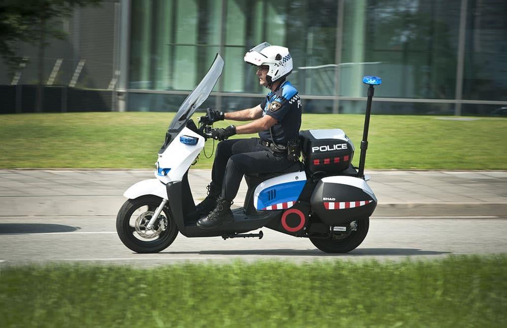 Scutum inaugura nueva fábrica en Barcelona que producirá 10.000 motos eléctricas al año
