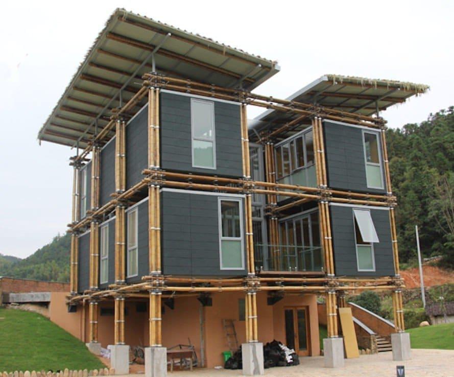 Una casa de bambú inspirada en el Feng Shui que utiliza el agua subterránea como refrigeración natural