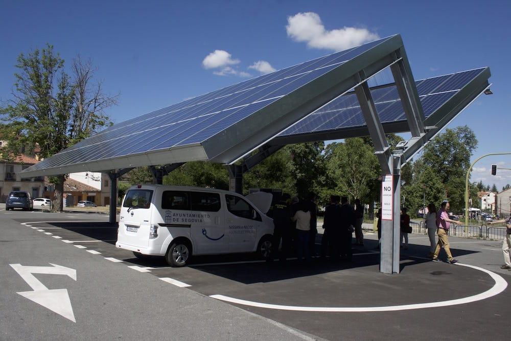Entra en funcionamiento la primera electrolinera sostenible de España