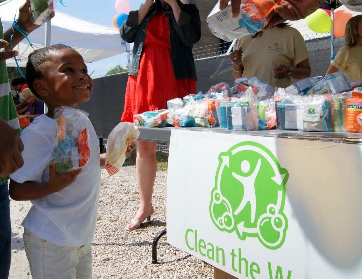 Clean-the-world-kit-jabon