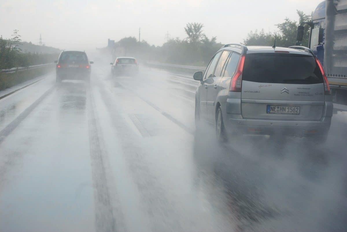 ¿Me cubre el seguro los daños causados por las lluvias torrenciales?