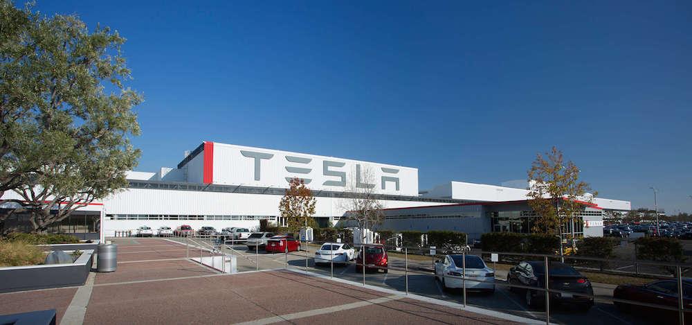 Tesla inicia la producción a gran escala de sus tejados solares en su planta de Nueva York