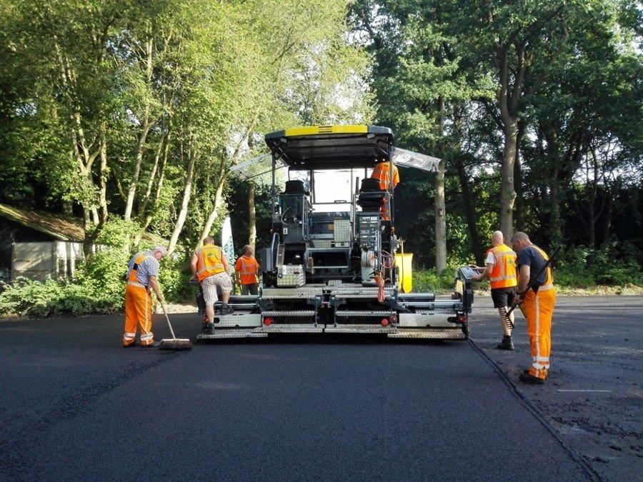 Holanda-pavimenta-sus-carriles-bici-con-papel-higi%c3%a9nico-reciclado