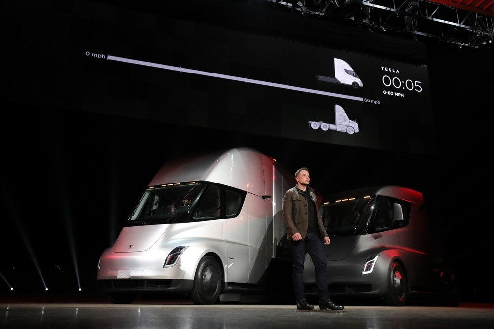 Elon Musk presenta el Tesla Semi